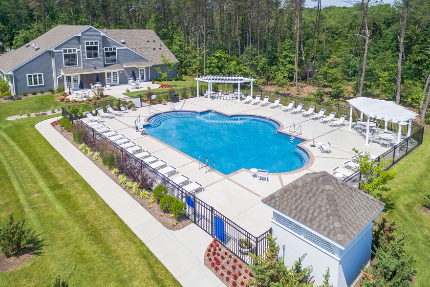 Apartments For Rent - Berlin, NJ | Taylor Woods Apartments - pool